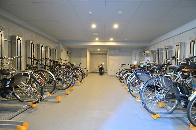 パークアクシス日本橋兜町の自転車置き場